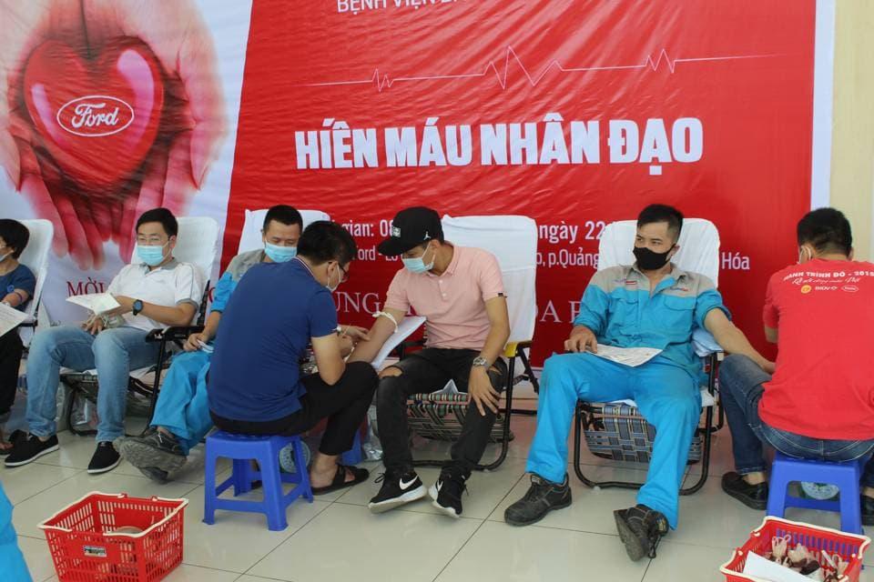 CBNV Thanh Hóa Ford trong ngày hội hiến máu nhân đạo